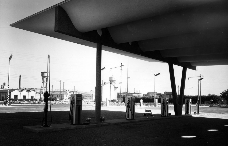 Stazione di servizio carburanti, Sesto San Giovanni - 1949